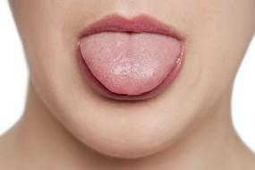 Zunge reinigen - sinnvoll oder nicht?