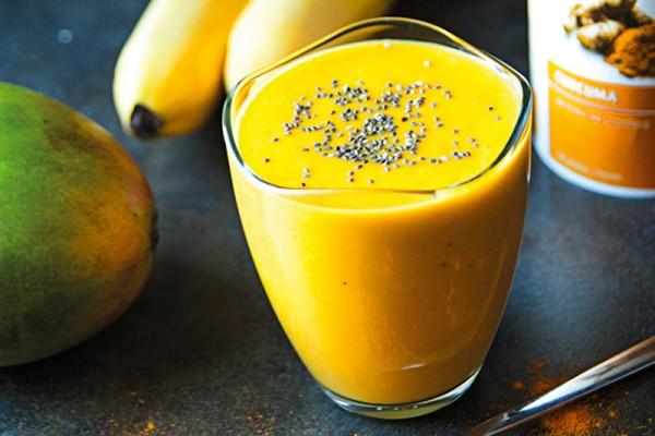 Curcuma-Mango-Smoothie